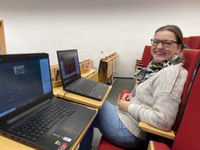 Liane Voss von der HOST koordiniert den Lifestream